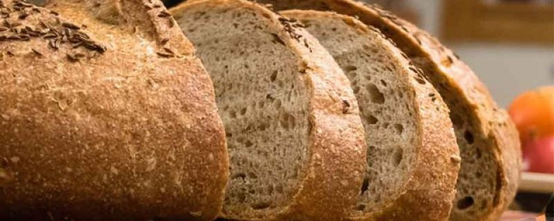 CNN.com: Bread's crust not more nutritious than the rest
